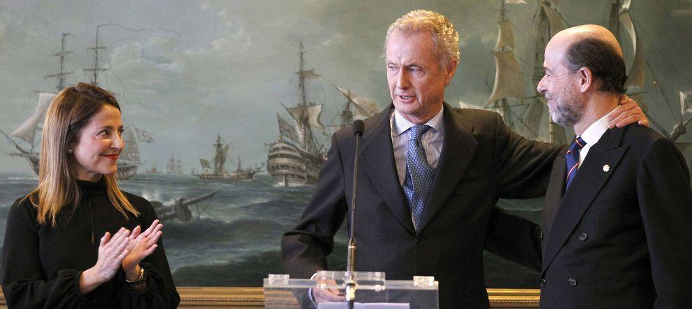 Foto: Morenés preside la toma de posesión de Argüelles como secretario de Estado de Defensa. (EFE)