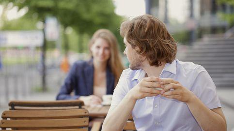 La ciencia del ligoteo: los signos inequívocos de que alguien coquetea contigo