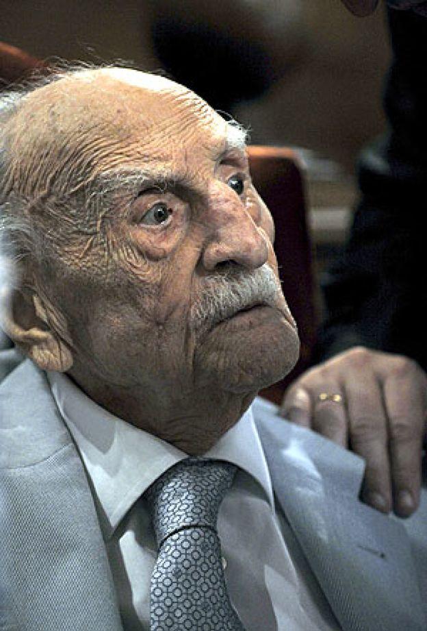 Foto: Ayala, decano de las letras españolas, muere a los 103 años