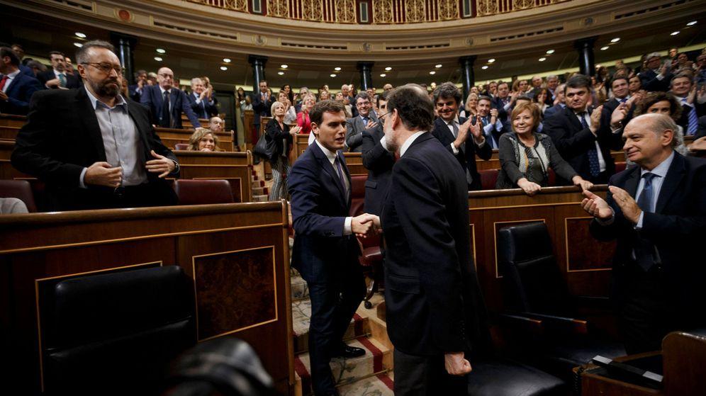 Foto: Albert Rivera y Mariano Rajoy tras la investidura del presidente del Gobierno. (Reuters)