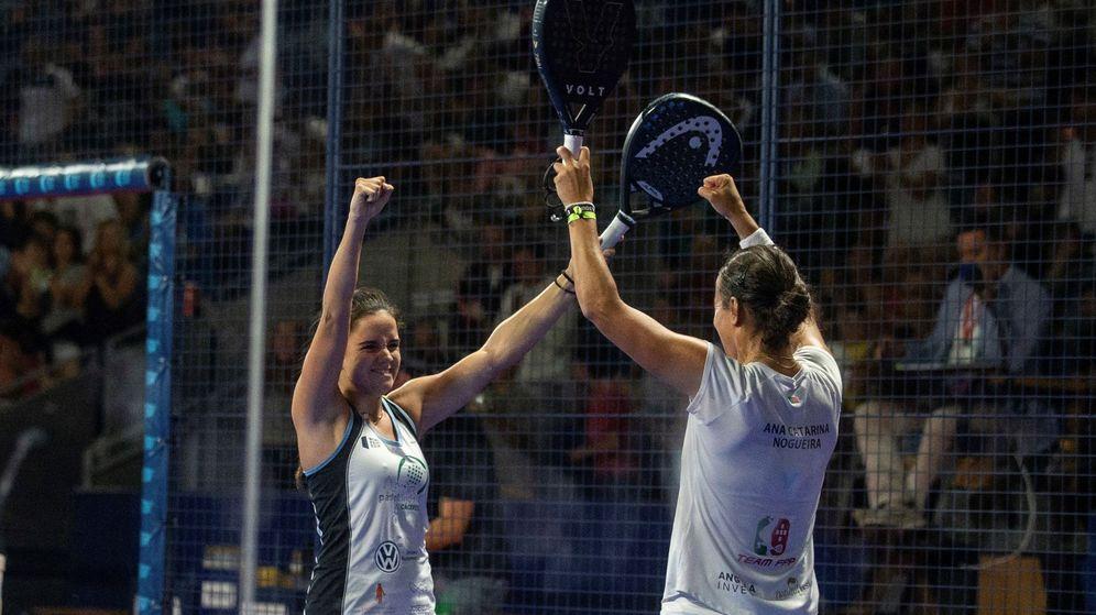 Foto: Paula Josemaría (i) y Ana Catarina Nogueira ganaron el Estrella Damm Madrid Master. (EFE)