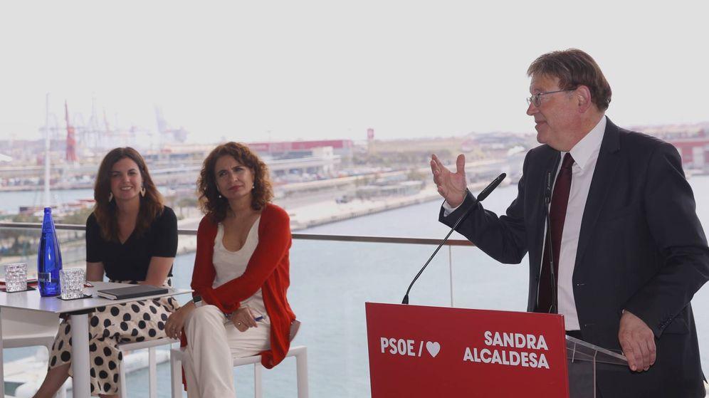 Foto: María Jesús Montero (c), con la candidata municipal Sandra Gómez y Ximo Puig, en Valencia. (Alberto Saiz)