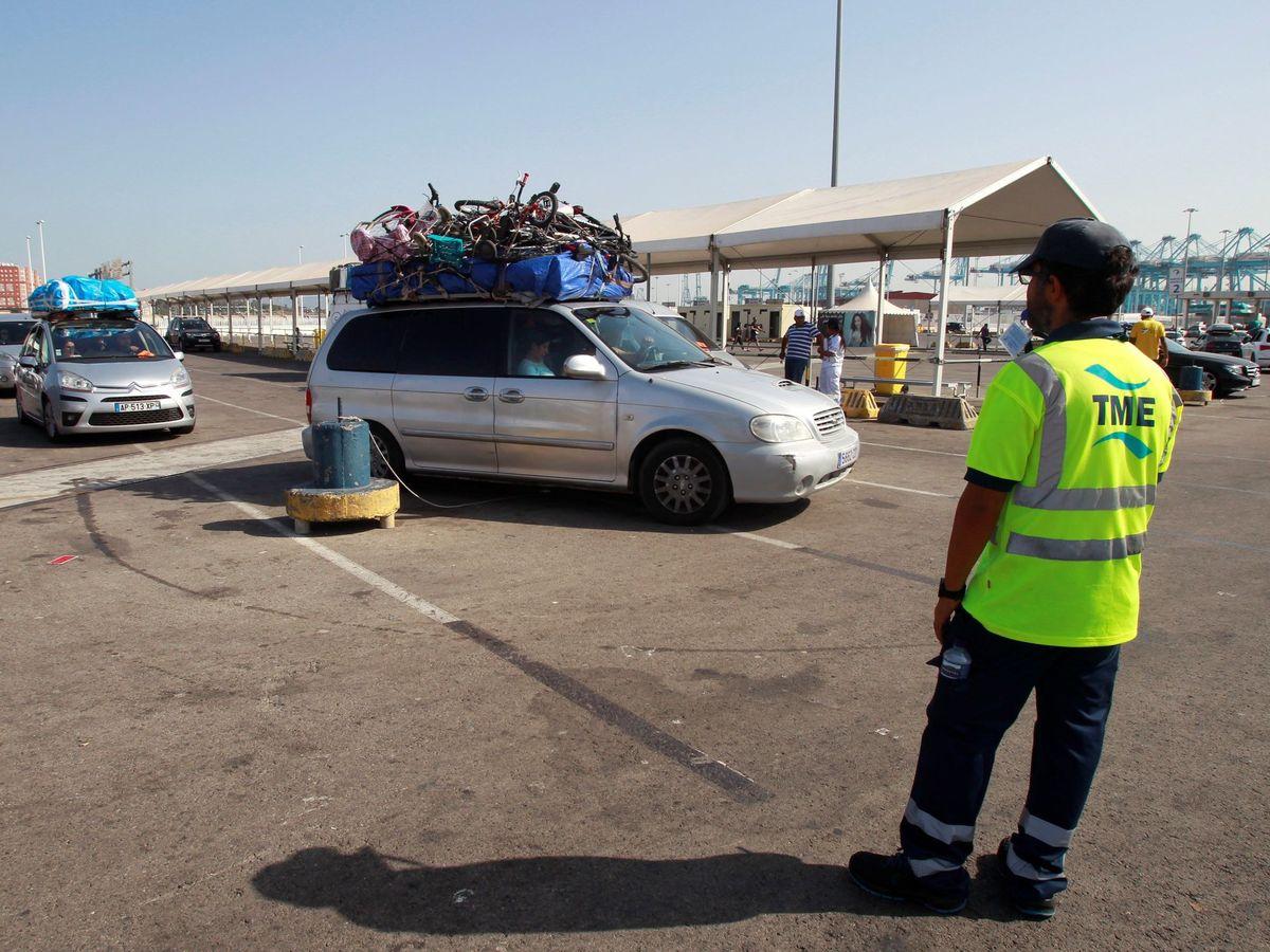 Foto: El puerto de Algeciras (Cádiz) en el marco de la Operación Paso del Estrecho (OPE) en 2019. (EFE)