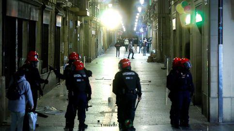 Cuatro detenidos y ocho agentes heridos en un enfrentamiento con la Ertzaintza en San Sebastián