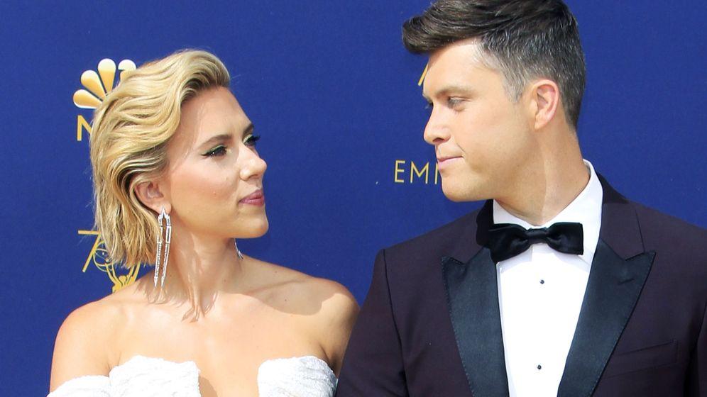 Foto: Scarlett Johansson y Colin Jost. (EFE)