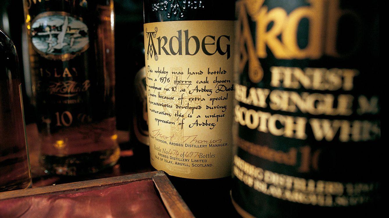 Foto: Imagen de algunas botellas de whisky de malta. (Sandro Vannini)