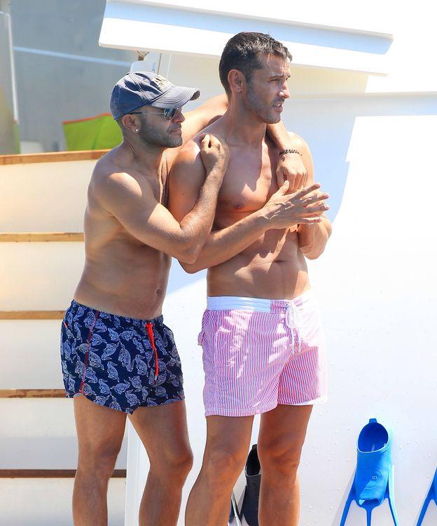 Foto: El presentador Jesús Vázquez y Roberto Cortés en una imagen de archivo. (Gtres)