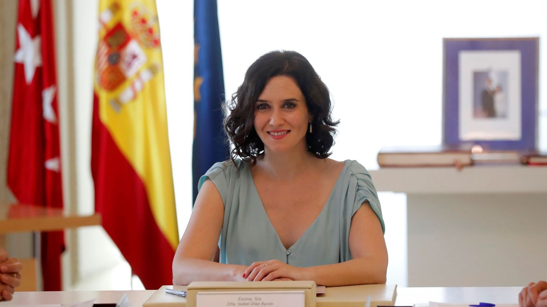 Copia el vestido de la polémica (forzada) de Isabel Díaz Ayuso