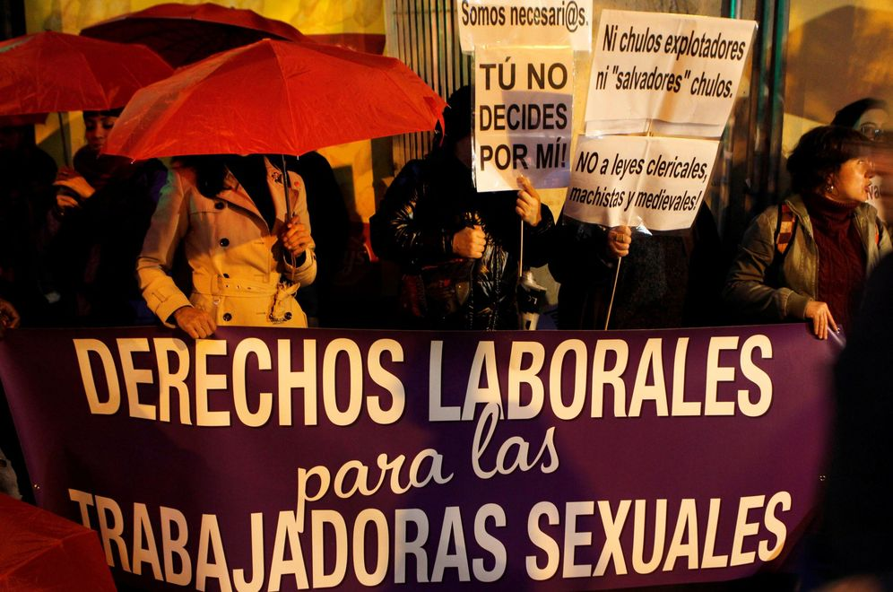Foto: Concentración del sindicato de prostitutas OTRAS, el pasado 14 de noviembre en Madrid. (EFE)