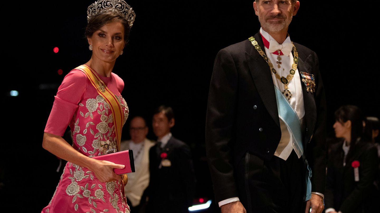 Los Reyes, a su llegada al banquete de gala. (Reuters)