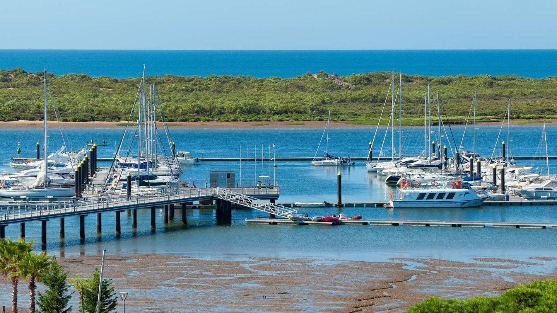 El muelle, el río, la Flecha y el mar. (Foto: Hotel Fuerte El Rompido)