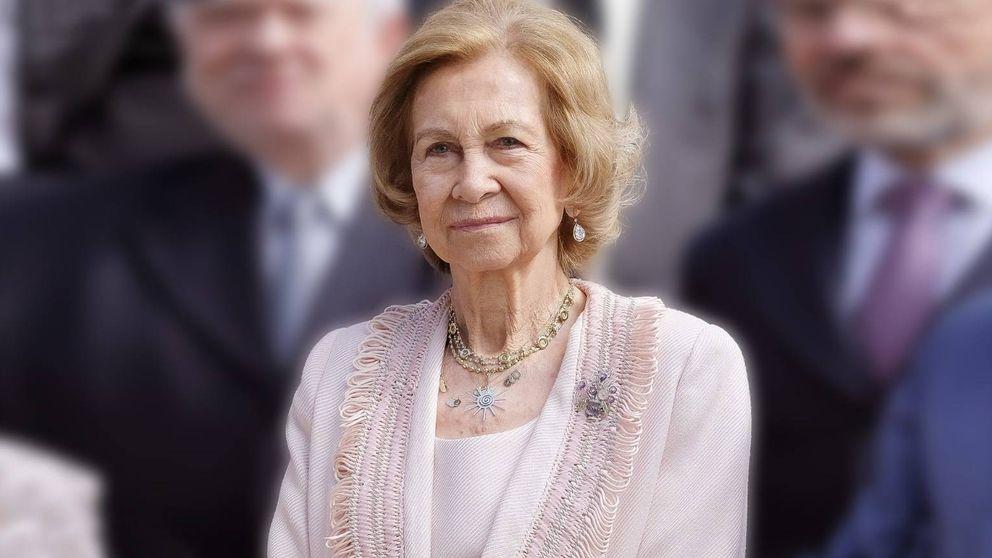La Reina Sofía vive con tristeza y 'encerrada' en Marivent el exilio forzoso de su marido