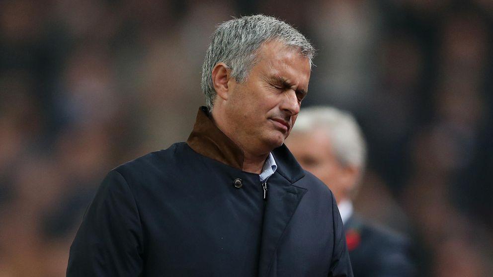 Mourinho toca fondo: el Chelsea, eliminado de la Capital One Cup
