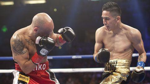 Santa Cruz aparta a Kiko Martínez del título mundial del peso pluma