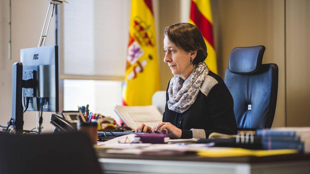 Foto: Concha Talón, fiscal jefa de Barcelona, en su despacho. (Foto: Alex Caparrós)