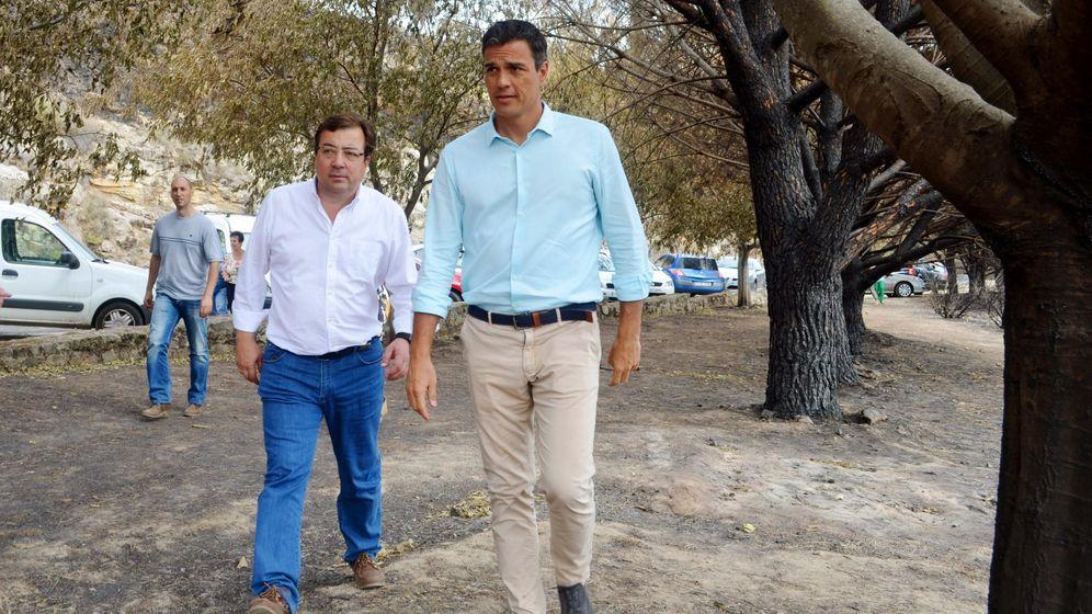 Foto: Fernández Vara, con Pedro Sánchez (EFE)