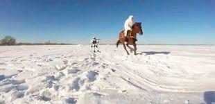 Post de El skijoring, el deporte de riesgo que practica el ejército ruso en invierno