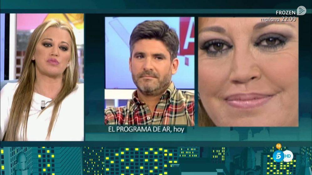 Foto: Belén Esteban viendo fragmentos de la entrevista de Toño Sanchís con Ana Rosa Quintana.