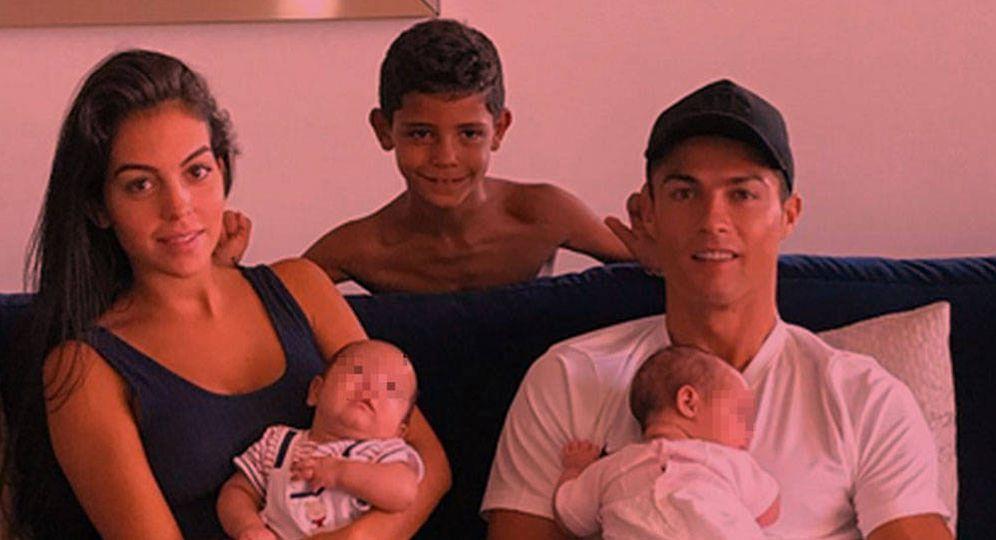Foto: Cristiano Ronaldo y Georgina Rodríguez en un fotomontaje realizado en Vanitatis.
