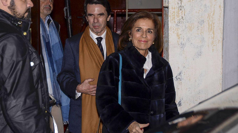 Los Aznar, compañeros de Sarkozy durante el recital de Carla Bruni en Madrid