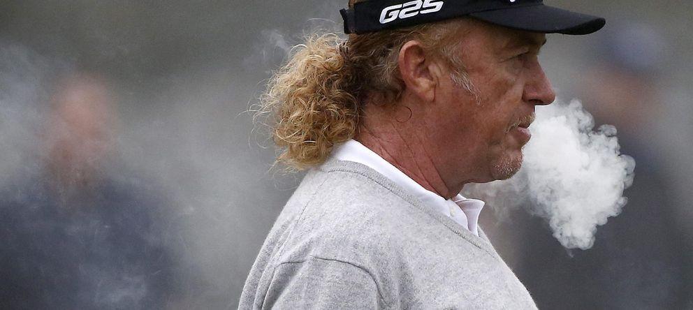 Foto: Jiménez fuma antes de competir en Augusta.