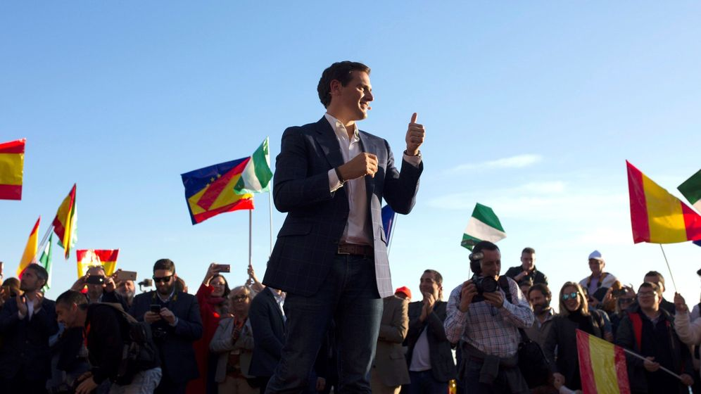 Foto: Albert Rivera en un mítin en Baños del Carmen en Málaga. (Efe)