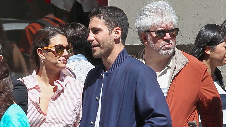 Miguel Angel Silvestre y Blanca Suárez pasean por Nueva York con el director Pedro Almodovar (Gtres)