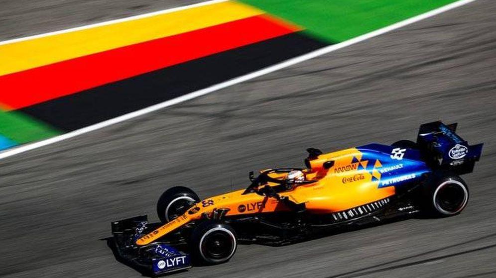Foto: Carlos Sainz logró entrar en la Q3 en una posición que ofrece grandes oportunidades para una carrera incierta. (McLaren)