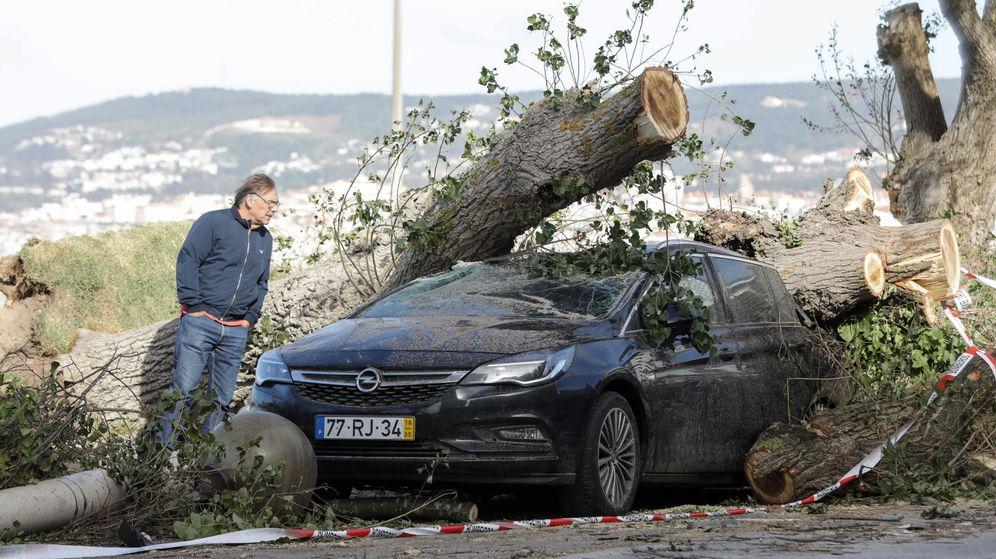 Foto: La tormenta Leslie también ha causado estrasgos en Portugal. (Reuters)