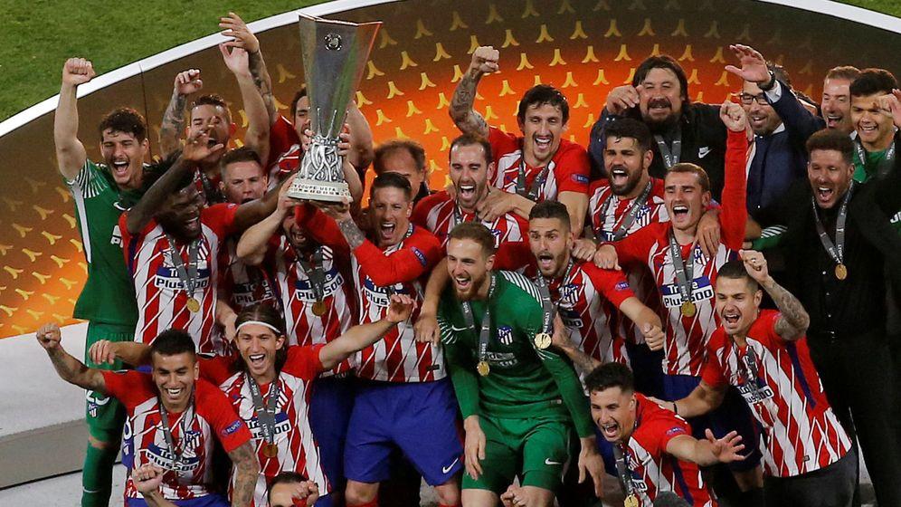Foto: Felipe VI dio a Fernando Torres su único trofeo con el Atlético