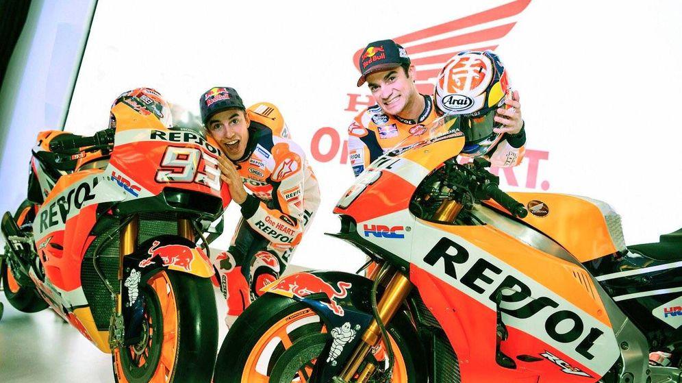 Foto: Márquez y Pedrosa, con la nueva moto. (Honda)