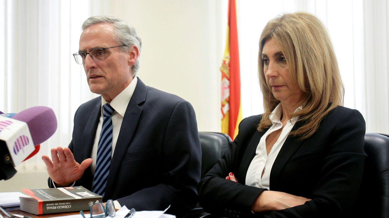 El fiscal jefe de Castilla-La Mancha, José Martínez, y la fiscal jefe de Guadalajara, Rocío Rojo. (EFE)