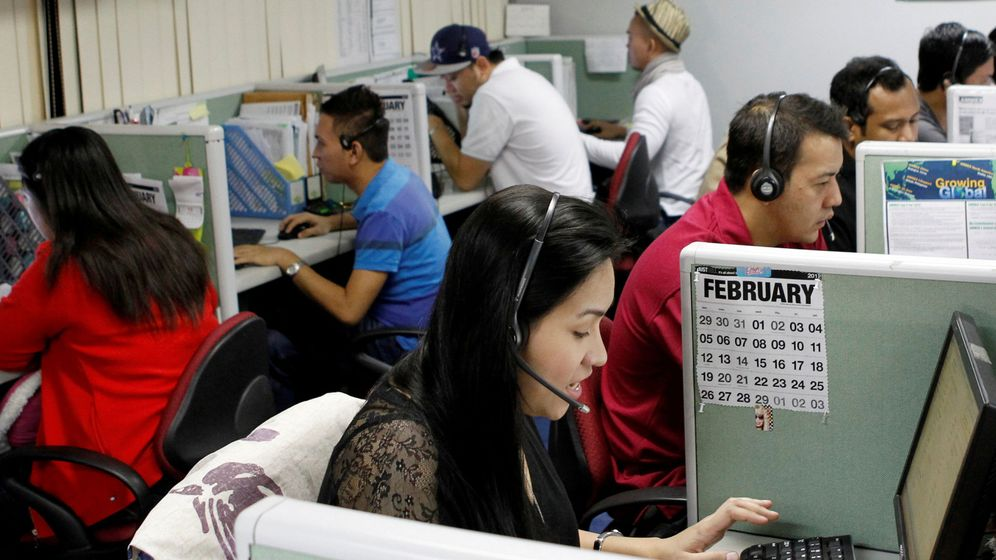 Foto: Trabajadores de un 'call center' en Filipinas. (Reuters)