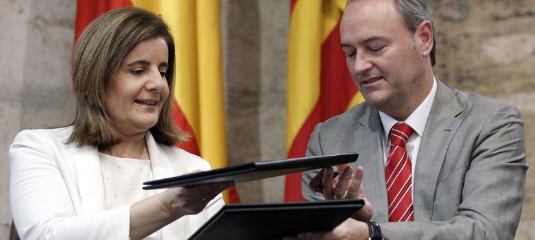 Foto: El presidente de la Comunidad Valenciana, Alberto Fabra, y la Ministra de Trabajo, Fátima Báñez. (EFE)