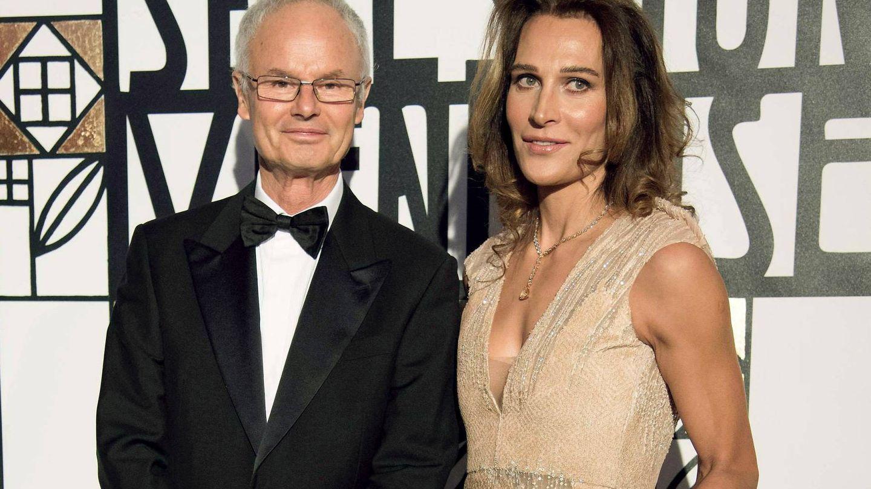 Álvaro Jaime Orleans-Borbón, en el Baile de la Rosa, con su mujer. (Cordon Press)