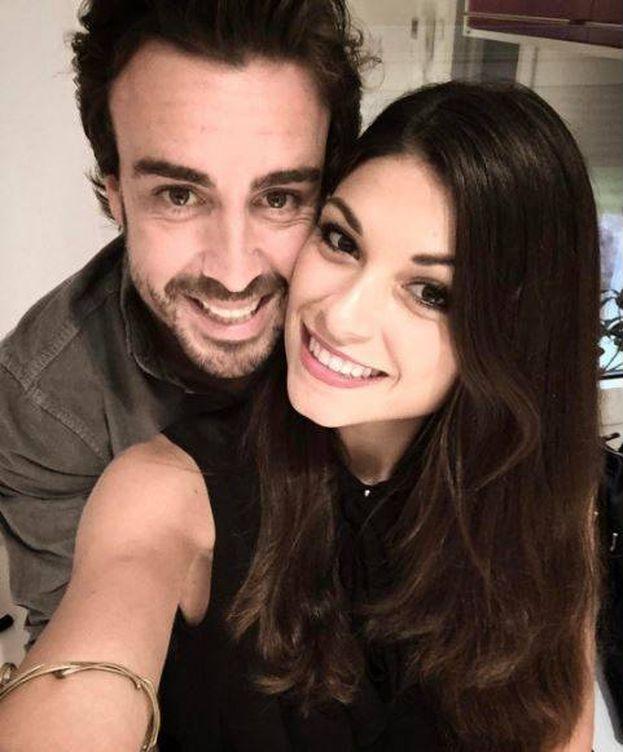 Foto: Fernando Alonso y Linda Morselli en una imagen de archivo. (Instagram)