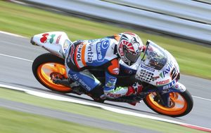 Maverick Viñales logra la 'pole position' en Moto3 en Silverstone