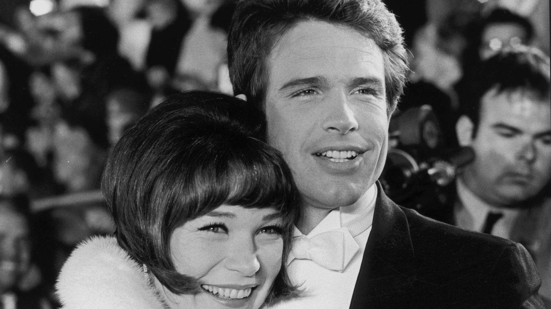 La actriz junto a su hermano, Warren Beatty. (Cordon Press)