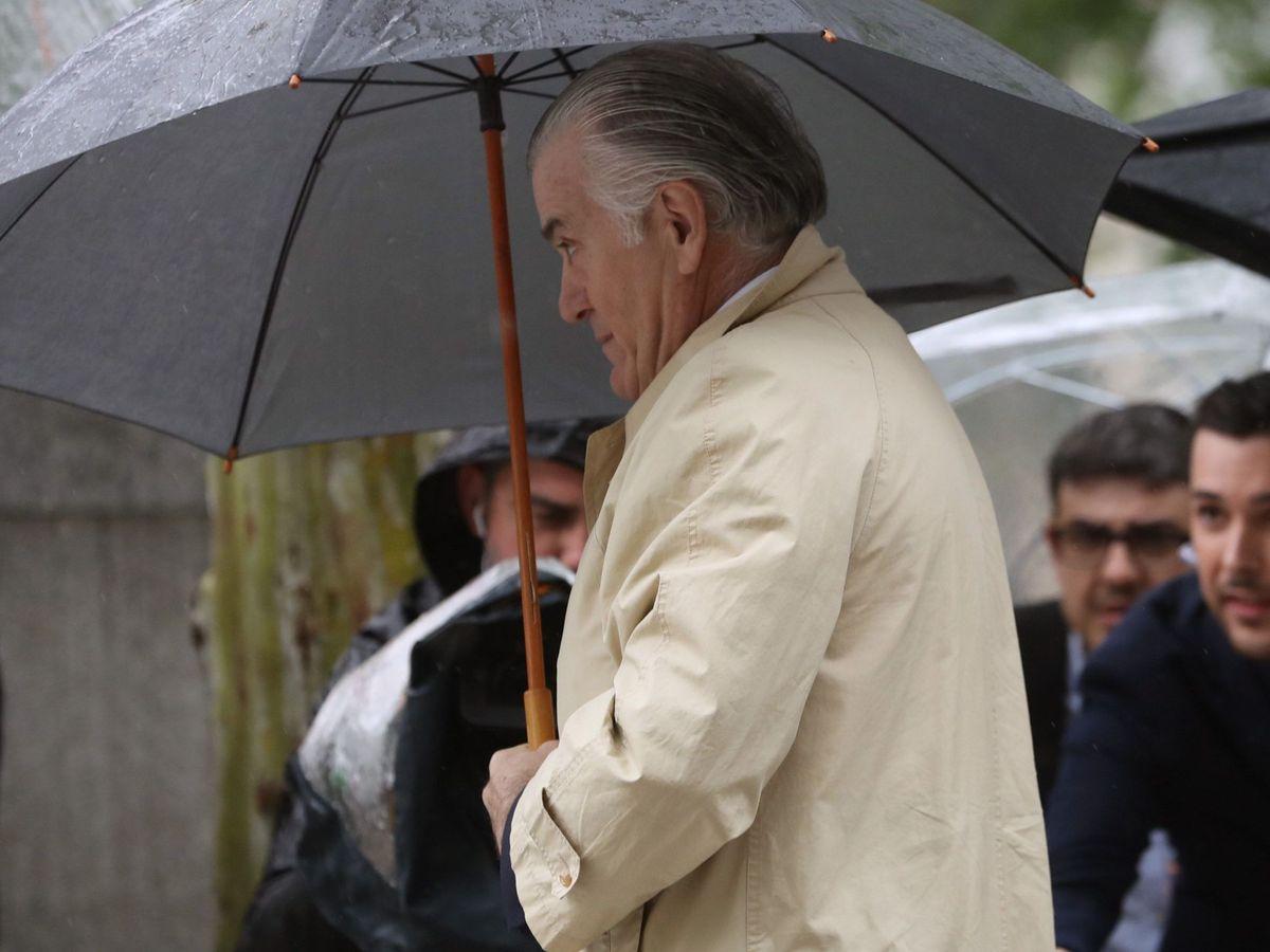 Foto: El extesorero del PP, Luis Bárcenas, a su llegada a la Audiencia Nacional. (EFE)