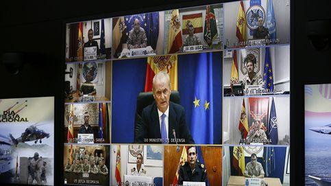 Morenés felicita a las tropas en el exterior por su moral y ejemplo diario