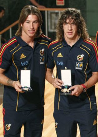 ¿Cuánto mide Carles Puyol? - Altura - Real height Ramos-siempre-es-una-alegria-recuperar-para-la-seleccion-a-jugadores-como-puyol