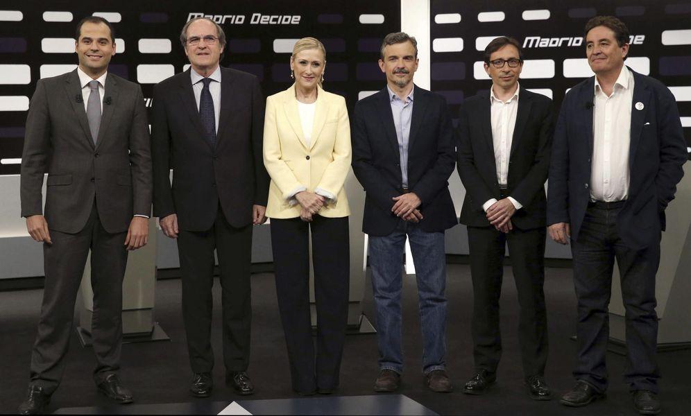 Foto: Los candidatos a la Comunidad: Ignacio Aguado (Ciudadanos), Ángel Gabilondo (PSOE), Cristina Cifuentes (PP), José Manuel López (Podemos), Ramón Marcos (UPyD) y Luis García Montero (IU) en el debate de Telemadrid. (EFE)