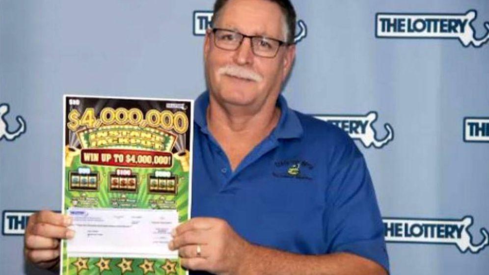 Foto: Rolf Rhodes también ganó 4 millones con un rasca y gana (Foto: Lotería de Massachusetts)