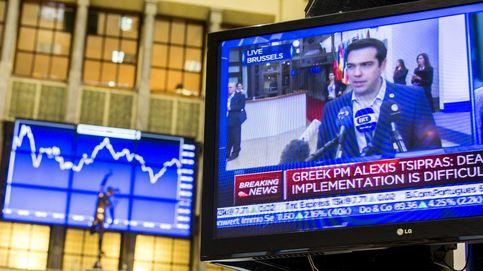 Grecia se despeña y cae en una nueva recesión tras dos semanas de 'corralito'