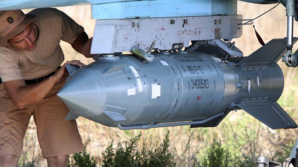 Foto: Las bombas rusas guiadas por satélite KAB-500S. (Foto: Armament Research/Alexander Kots/Komsomolskaya Pravda)