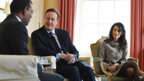 Amal Clooney, cita en Downing Street con David Cameron por trabajo