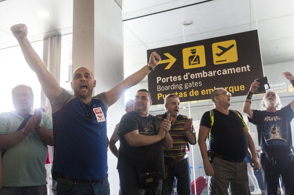 Foto: Eulen se vio desbordada por la huelga estival en el aeropuerto de Barcelona. (EFE)