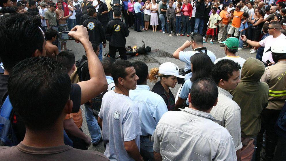 Todos a una: el malestar dispara los linchamientos en Venezuela