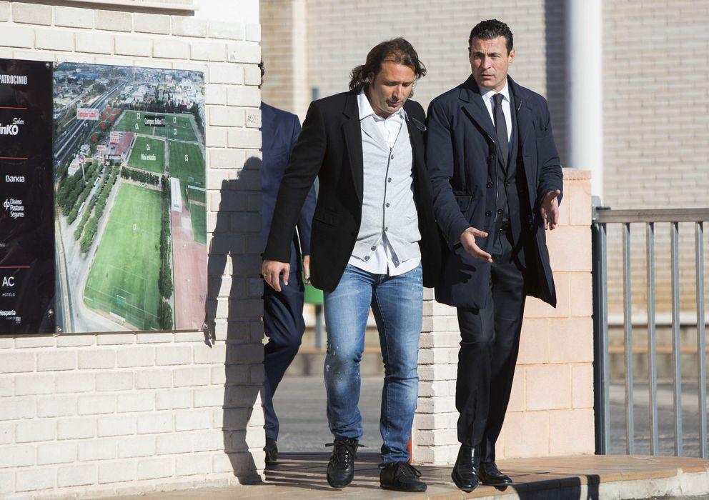 Foto: Amadeo Salvo (d) con Rufete, actual director deportivo del club.