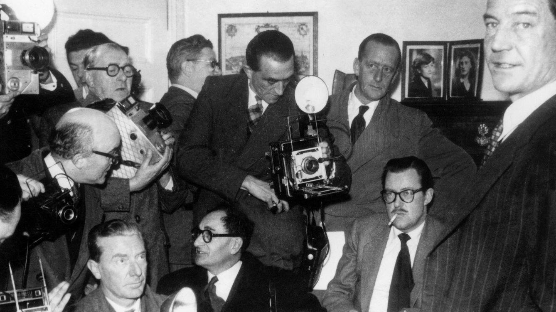 Foto: Kim Philby durante la rueda de prensa en la que expuso (falsamente) su inocencia. (Cordon Press)